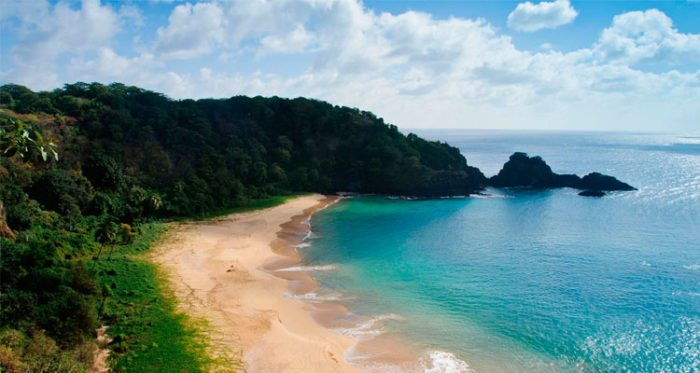Bahía-do-Sancho-–-Brasil