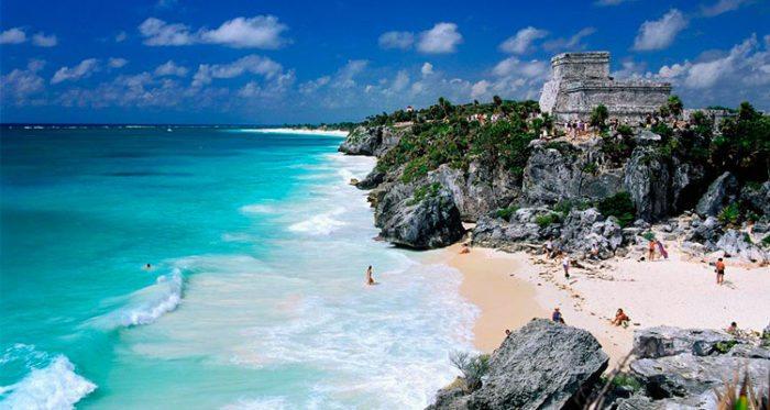 Playa-Azul-Tulum-–-México
