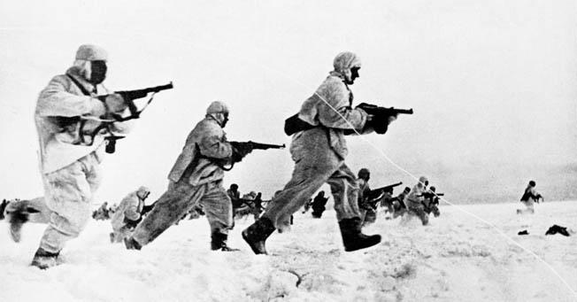 A diferencia de las tropas alemanas, en el Frente Oriental, las soviéticas estaban mejor equipadas en términos de protección contra el invierno.
